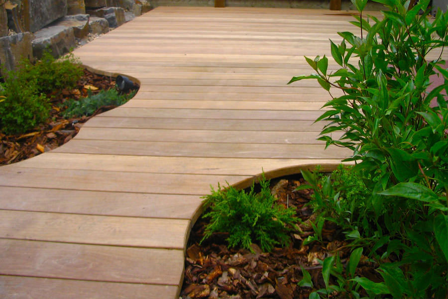Calgary Decks with Curved Decking